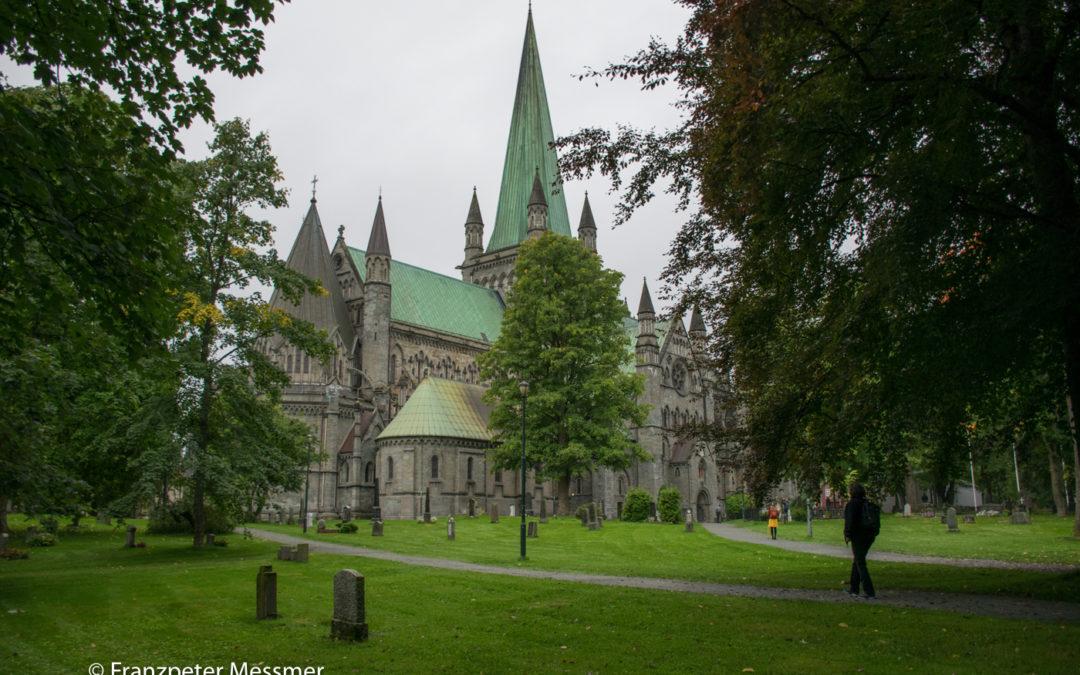 Trondheim: Nidaros Kathedrale und alter Hafen