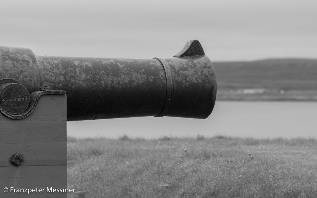 Kanonen und Hexen – am nördlichsten Punkt Europas